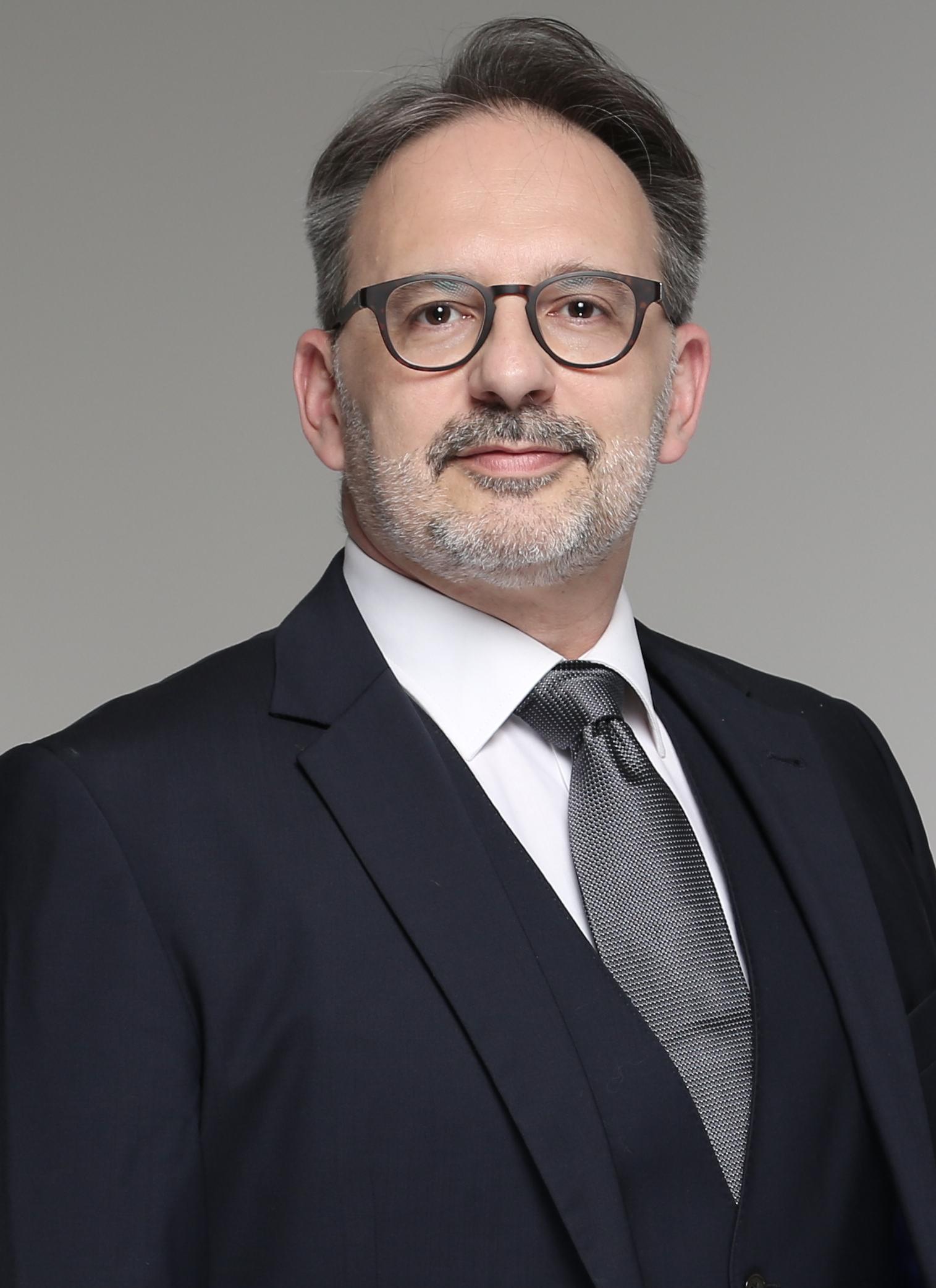 Dr D.Ernenwein